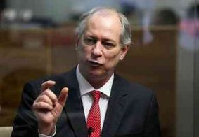 Ciro Gomes protocola pedido de impeachment de Bolsonaro