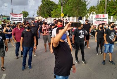Músicos durante protesto em João Pessoa