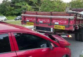 Colisão envolvendo caminhão deixa um ferido em João Pessoa