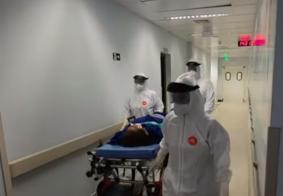 Corredor de um dos hospitais de Manaus