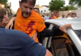 Veja momento em que Cid Gomes é baleado ao tentar entrar em batalhão da PM