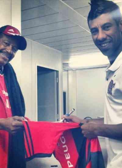 Massagista do Flamengo morre de Covid-19 e é homenageado por atleta do Botafogo-PB