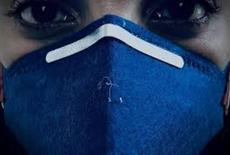 Usar máscara dá dor de cabeça? Entenda a razão e saiba como evitar
