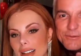 """Em Live, Déborah detona colegas do Power Couple: """"Feioso, desengonçada"""""""