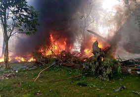 Queda de avião militar deixa mais de 30 mortos