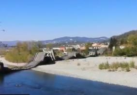 Vídeo: ponte desaba com dois carros em região central da Itália