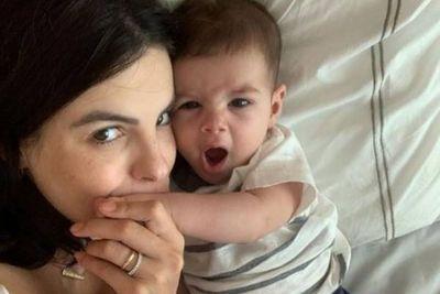 Sthefany Brito posta foto com filho e impressiona pela semelhança