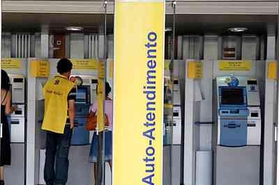 Bancários fazem paralisação contra reestruturação no Banco do Brasil nesta quarta (12)