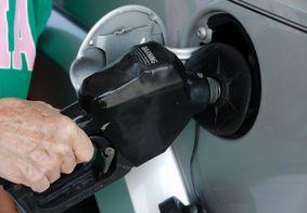 Dupla rouba posto de combustível e deixa 'gorjeta' para frentista