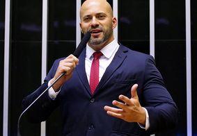 Daniel Silveira tentou pular muro para fugir, diz PF