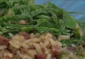 Saiba como fazer um arroz caldoso; receita é simples e faz sucesso