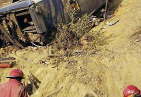 Ônibus com torcida do Barcelona de Guayaquil cai em penhasco e deixa mortos