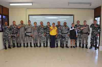 Policiais militares da Paraíba participam de capacitação sobre linguagem de sinais