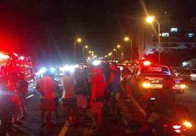 Motoboy fica ferido após colidir contra cavalo na BR-230, em Cabedelo