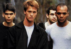 Integrantes da Legião Urbana na capa de álbum lançado pela banda em 1987