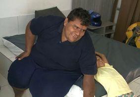 Morre 'Carlinhos de Patos', jovem que pesava 300kg, após complicações da Covid-19