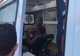 Homem é socorrido após explosão de botijão de gás em casa de show, em João Pessoa