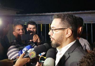 Vídeo: Ricardo Coutinho e Márcia Lucena saem da prisão sem medidas cautelares, diz advogado