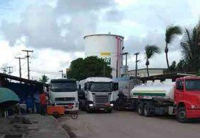 Sindicato diz que vai cumprir liminar, mas não obriga caminhoneiros a desbloquearem Porto de Cabedelo