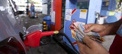 Preço da gasolina sobe e litro mais 'barato' é vendido a R$ 3,699 em JP; saiba onde