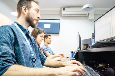 Empresa de tecnologia abre mais de 50 vagas de emprego; confira