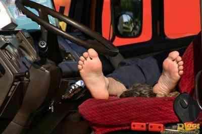Na PB, empresa é condenada a indenizar trabalhador que dormia em caminhão por falta de hospedagem