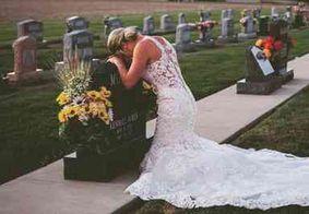 Mulher faz fotos de casamento sozinha após morte trágica do noivo