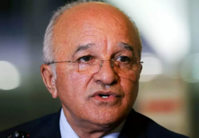 Ex-governador deixa presídio para cumprir prisão domiciliar, em Manaus