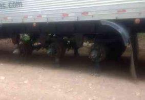 Carretas são encontradas abandonadas sem os 30 pneus