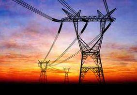Fatura de energia deve ficar mais barata, diz Aneel