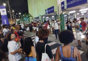 Manifestantes ocupam frente de hipermercado na Zona Sul de João Pessoa
