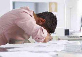 Trabalhar em excesso é como estar bêbado, aponta estudo