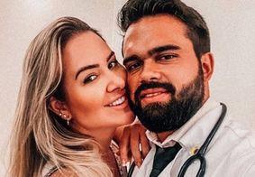 """Ex-BBB Patrícia anuncia namoro com médico e rebate seguidora: """"Não traí"""""""