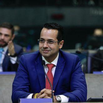 Vitor Valim é o novo prefeito de Caucaia