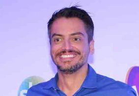 Leo Dias assina com a RedeTV! e diz que vai reformular TV Fama
