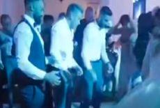 Vídeo   Noivo fratura a coluna após convidados o jogarem pra cima