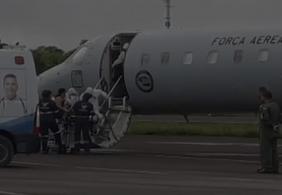 Pacientes de Manaus transportados em avião da FAB desembarcam em João Pessoa