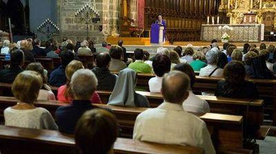 Estados e municípios podem proibir cultos e missas, decide STF