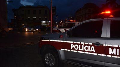 Polícia procura homem suspeito de estuprar jovem na frente dos pais, na Paraíba
