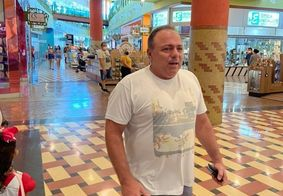 Ex-ministro da Saúde é flagrado sem máscara em shopping