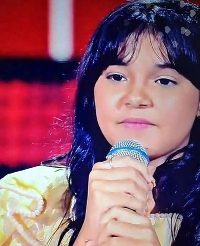 Paraibana canta música sertaneja e agrada júri no 'The Voice Kids'