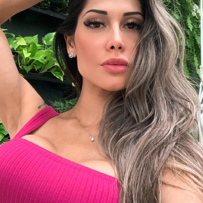 """""""Tomei mais chifre do que a cabeça pode carregar"""", diz Mayra Cardi sobre 2020"""