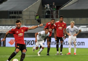 Com gol de pênalti na prorrogação, Manchester United avança na Liga Europa