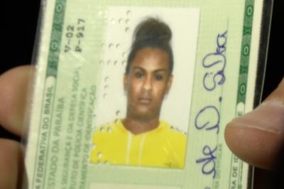 Transexual encontrada morta em quarto de pousada foi estrangulada com uma toalha