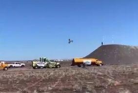 Vídeo   Piloto morre após tentar bater recorde mundial de salto