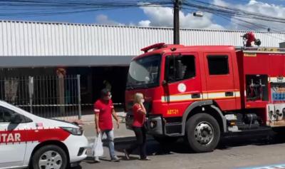 Fogo atinge shopping popular em João Pessoa