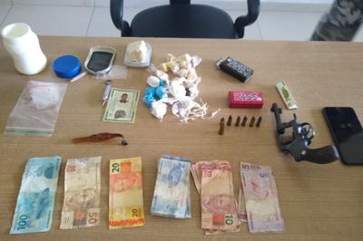 Suspeito de tráfico é preso ao tentar se esconder da polícia em comunidade de João Pessoa