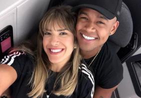 """Léo Santana e Lorena Improta anunciam noivado: """"Agora é oficial"""""""