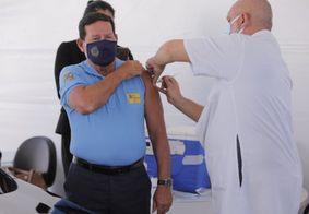 Vice-presidente Mourão é vacinado contra a Covid-19