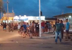 Protesto por auxílio moradia acontece no bairro Colinas do Sul, em João Pessoa